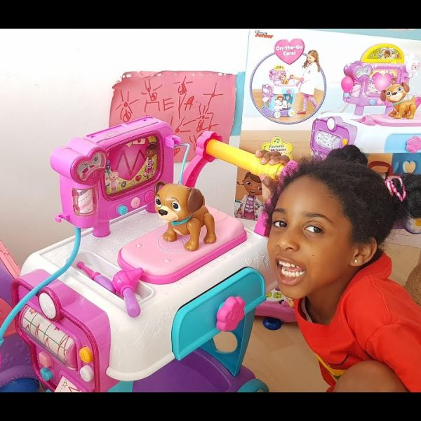 Doc McStuffins Toy Hospital Care Cart – Unboxing and Pretend Play with Puppies!